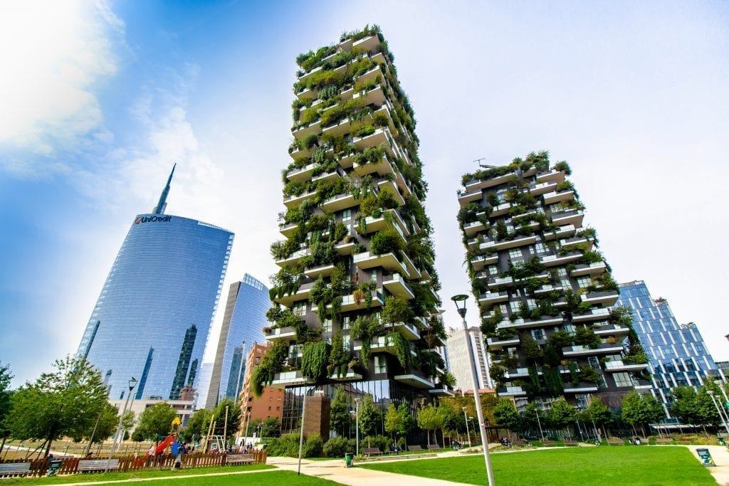 A Vertical Forest Helps Kick Pollution in Milan